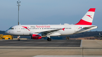 A picture of OELDE - Airbus A319112 - Austrian Airlines - © Alan P Cookson