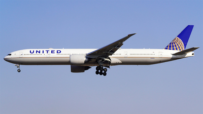 A picture of N2645U - Boeing 777322(ER) - United Airlines - © AppleFan