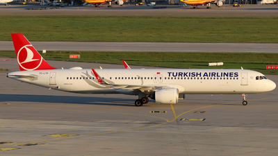 A picture of TCLTF - Airbus A321271NX - Turkish Airlines - © Justin Stöckel