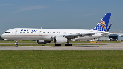N67134 - Boeing 757-224 - United Airlines