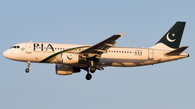 AP-BLD - Airbus A320-214 - Pakistan International Airlines (PIA)