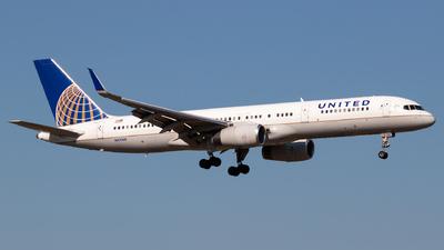 N41140 - Boeing 757-224 - United Airlines