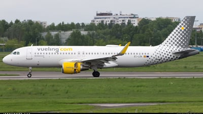 EC-LZN - Airbus A320-214 - Vueling Airlines