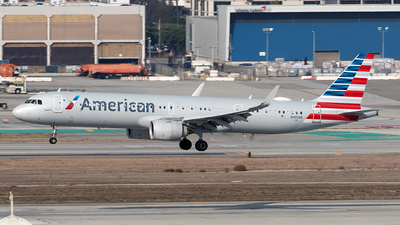 A picture of N401AN - Airbus A321253NX - American Airlines - © Yixin Chen