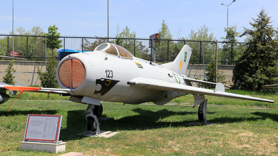 4123 - Shenyang J-6 - Pakistan - Air Force
