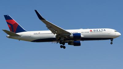 N183DN - Boeing 767-332(ER) - Delta Air Lines