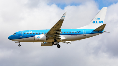 A picture of PHBGM - Boeing 7377K2 - KLM - © Andy Fonseca