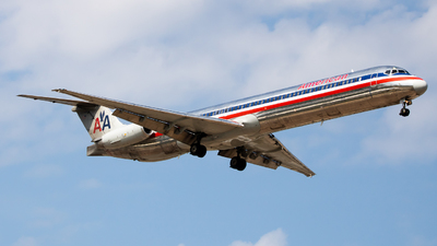 N965TW - McDonnell Douglas MD-83 - American Airlines