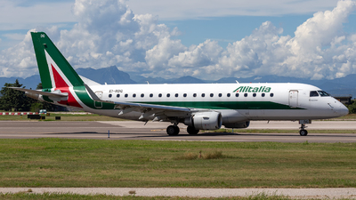 A picture of EIRDG - Embraer E175STD - [17000338] - © Mauro Cassaro