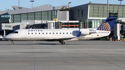 A picture of N424AW - Mitsubishi CRJ200LR - United Airlines - © Daniel Lapierre Forget