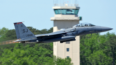 88-1668 - McDonnell Douglas F-15E Strike Eagle - United States - US Air Force (USAF)
