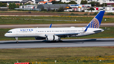 N14107 - Boeing 757-224 - United Airlines