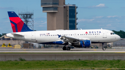 A picture of N322NB - Airbus A319114 - Delta Air Lines - © Mateo Skinner