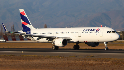 CC-BEI - Airbus A321-211 - LATAM Airlines