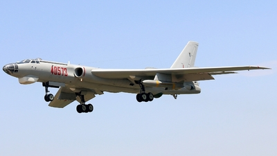 40573 - Xian H-6M - China - Air Force
