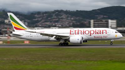 A picture of ETAOT - Boeing 7878 Dreamliner - Ethiopian Airlines - © Julia Salgueiro - juh_spotting