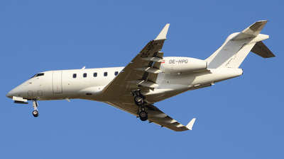 OE-HPG - Bombardier BD-100-1A10 Challenger 300 - LaudaMotion