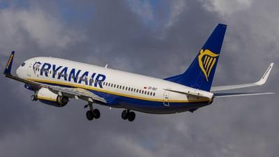 A picture of SPRKF - Boeing 7378AS - Ryanair - © Marcin Lipiecki