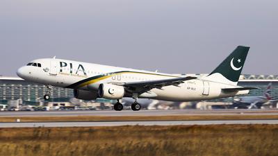 AP-BLC - Airbus A320-214 - Pakistan International Airlines (PIA)