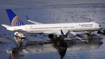 N18119 - Boeing 757-224 - Continental Airlines