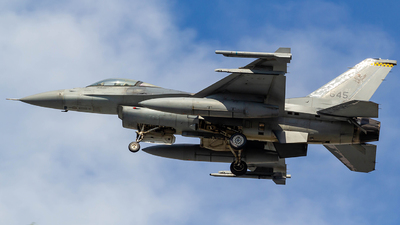 645 - Lockheed Martin F-16CJ Fighting Falcon - Singapore - Air Force