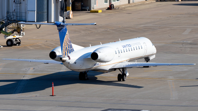 A picture of N16546 - Embraer ERJ145LR - United Airlines - © Davin Amy