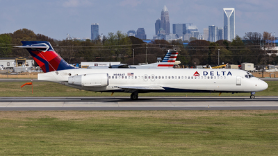 N948AT - Boeing 717-2BD - Delta Air Lines
