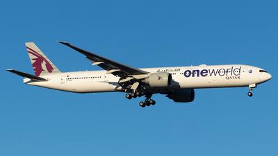 A picture of A7BAF - Boeing 7773DZ(ER) - Qatar Airways - © Lachlan Gatland