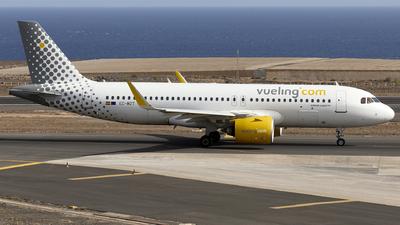 EC-MZT - Airbus A320-271N - Vueling