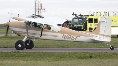 N185F - Cessna 180A Skywagon - Private