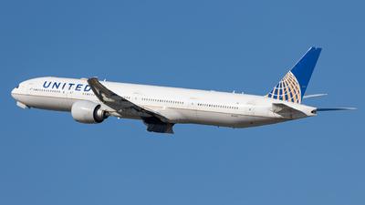 N2243U - Boeing 777-322ER - United Airlines