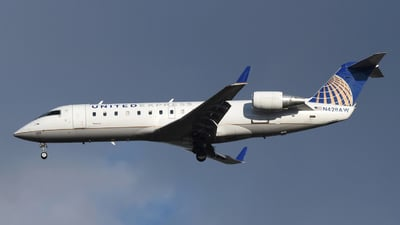 A picture of N428AW - Mitsubishi CRJ200LR - United Airlines - © DJ Reed - OPShots Photo Team