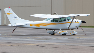 N8490S - Cessna 182H Skylane - Private