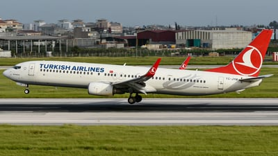 A picture of TCJYM - Boeing 7379F2(ER) - Turkish Airlines - © Savas binici