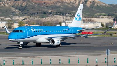 A picture of PHEXO - Embraer E175STD - KLM - © Mateo León