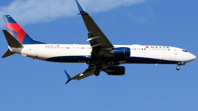A picture of N899DN - Boeing 737932(ER) - Delta Air Lines - © Alec Mollenhauer