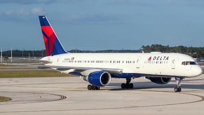 A picture of N680DA - Boeing 757232 - Delta Air Lines - © Tyler Chan