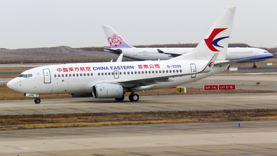 A picture of B5298 - Boeing 73779P - China Eastern Airlines - © Yethty CHEN