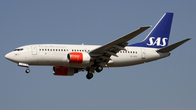 SE-RES - Boeing 737-7BX - Scandinavian Airlines (SAS)