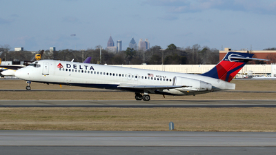 A picture of N927AT - Boeing 717231 - Delta Air Lines - © Kevin Porter