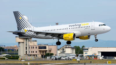 EC-JXV - Airbus A319-112 - Vueling