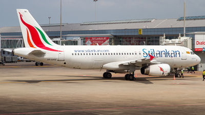 4R-MRE - Airbus A320-232 - SriLankan Airlines