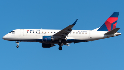 A picture of N216JQ - Embraer E175LR - Delta Air Lines - © Evan Dougherty
