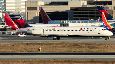 A picture of N939AT - Boeing 717231 - Delta Air Lines - © Roberto Balboa