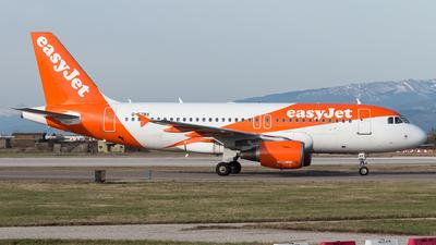 A picture of GEZBX - Airbus A319111 - easyJet - © Monica De Guidi