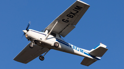 A picture of GBXJM - Cessna 152 -  - © Carlos Miguel Seabra