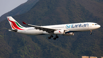 A picture of 4RALO - Airbus A330343 - SriLankan Airlines - © Colin Law