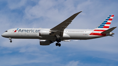 A picture of N820AL - Boeing 7879 Dreamliner - American Airlines - © YunHyeok Choi
