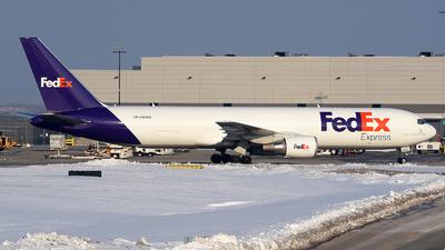 A picture of N185FE - Boeing 767300F(ER) - FedEx - ©  JC