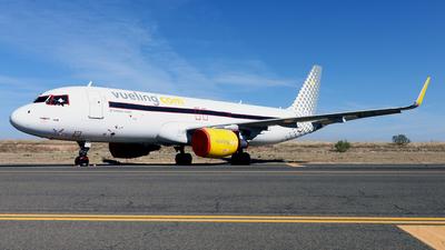 A picture of ECLZN - Airbus A320214 - Vueling - © Javier Rodriguez - Amics de Son Sant Joan